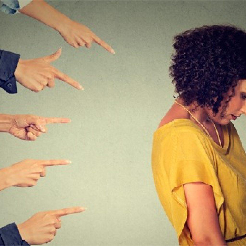 giudizio-degli-altri-cosi-te-ne-liberi, come fregarsene del giudizio degli altri, fiducia in se stessi, come essere se stessi