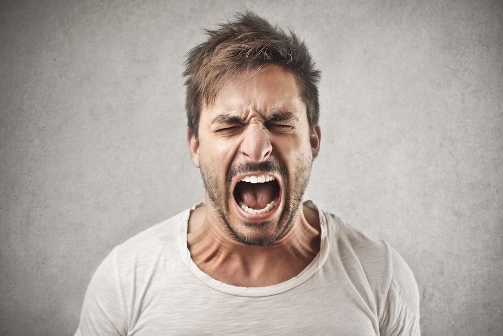 tensioni-nervose-scatti-di-rabbia-e-attacchi-di-ira